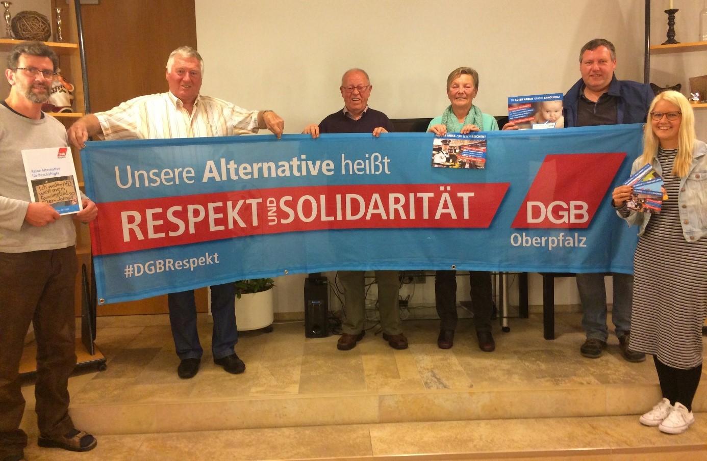 Das DGB Ortskartell Burglengenfeld zeigt deutlich: Unsere Alternative heißt Respekt und Solidarität.