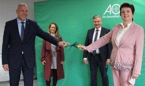 Amtsübergabe (von links): Der neue AOK Direktor Volker Schödel, Beiratsvorsitzende Katja Ertl, alternierender Vorsitzender des Beirats Thomas Eichenseher und scheidende Direktorin Christa Siegler.